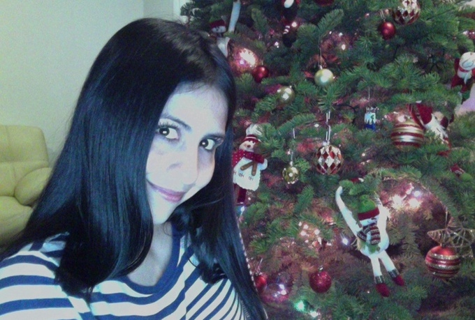 make the coolest VIDEO greetings or testimonials/promote your business sitting next to my Christmas tree★ ★  ★ ★ ★