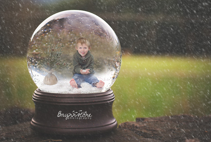 photoshop your family, child, pet, etc in a snowglobe