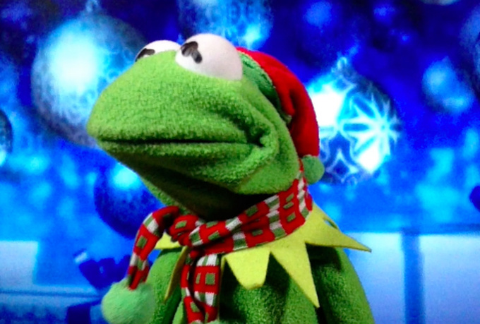 make a personalized video holiday greeting of Kermit The Frog and sing We Wish You a Merry Christmas